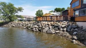Shea's Riverside Restaurant & Bar