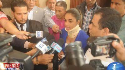 Periodista Deyanira López desiste de querella por agresión en Santiago.