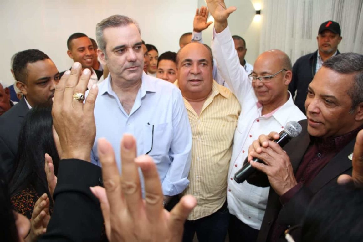 Abinader aboga por respeto a la ley como base de una democracia social y moderna