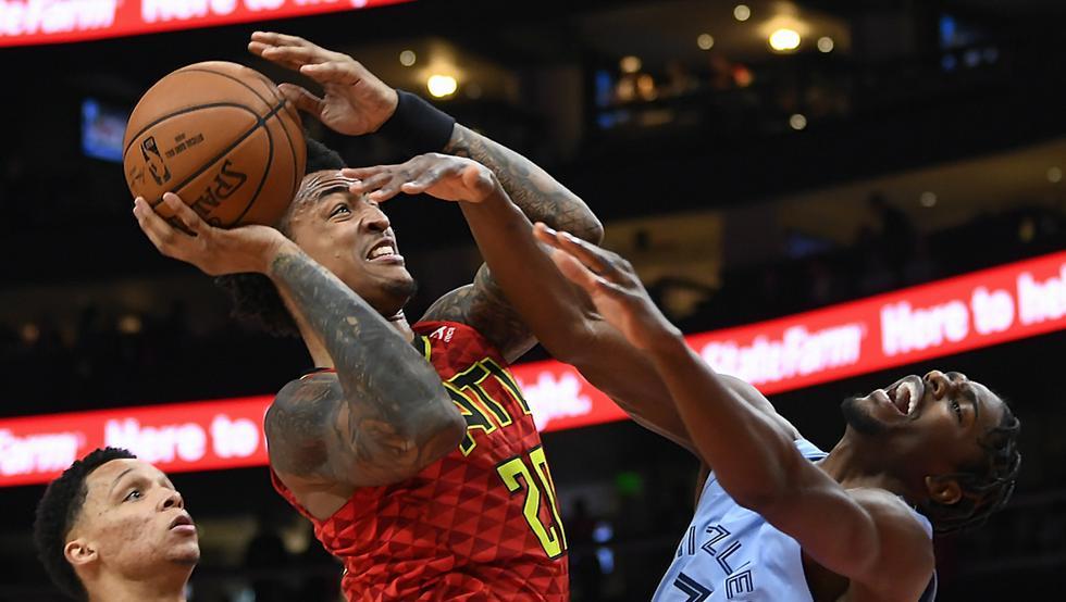 Collins logra un doble-doble en el triunfo de los Hawks