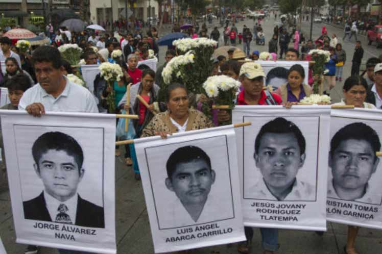 Indagatoria sobre crimen de Ayotzinapa conduce a una confabulación