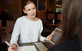 ¿Cómo reducir la carga mental de las mujeres? Seis tips para apoyarlas en sus carreras
