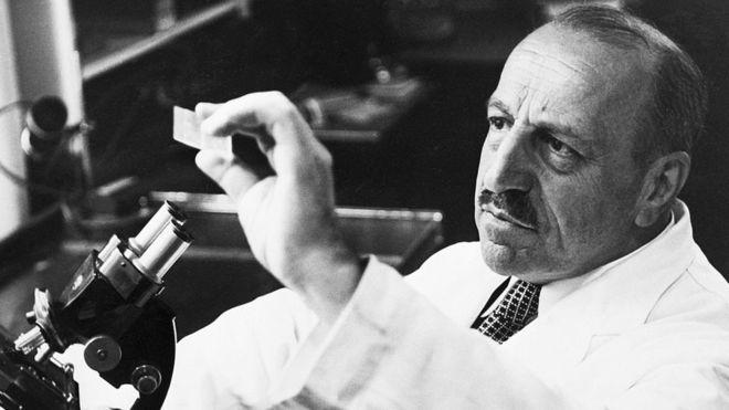 """George Papanicolaou, el hombre que inventó el Pap, """"una de las armas más poderosas contra el cáncer"""""""