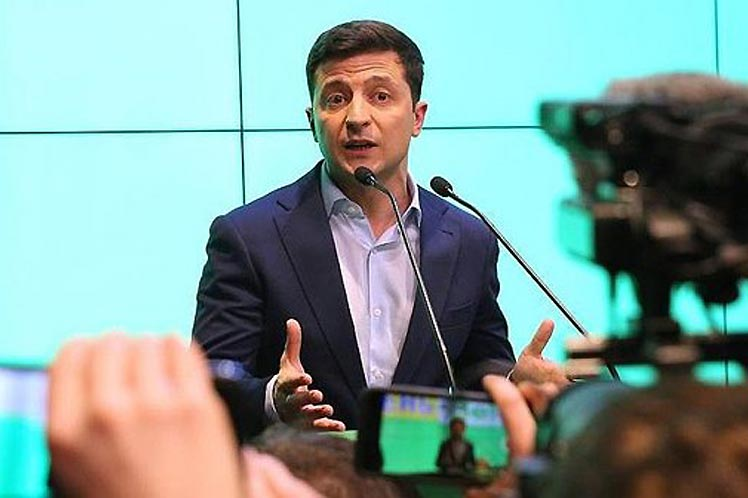 Presidente electo ucraniano propone diálogo con Rusia