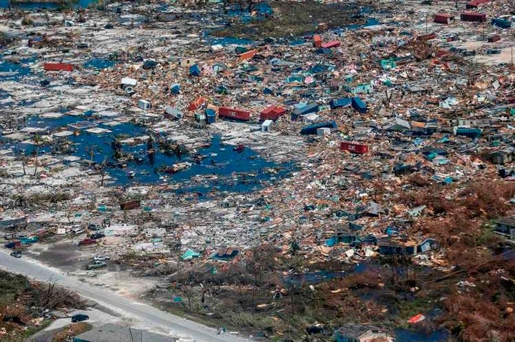 A tres mil puede ascender cifra de muertos en Bahamas, según diarios