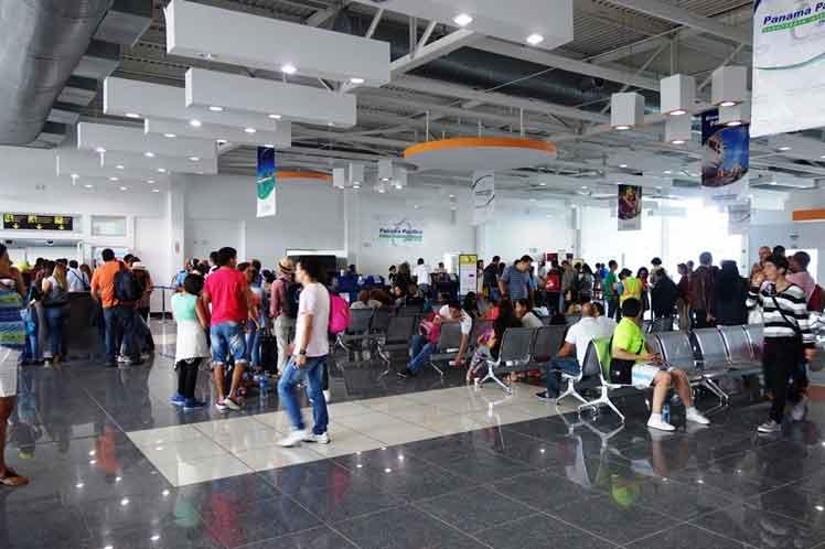 Crece tráfico de pasajeros en aeropuertos panameños