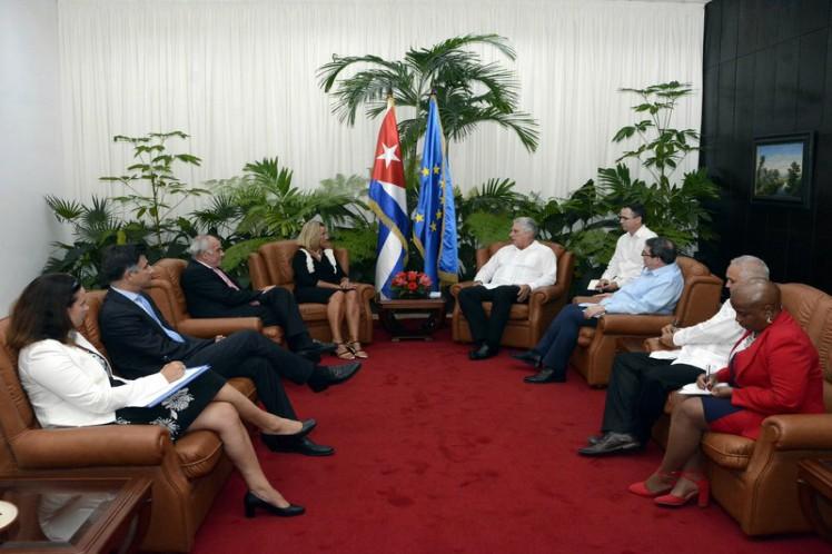 Presidente de Cuba recibe a alta funcionaria de la Unión Europea