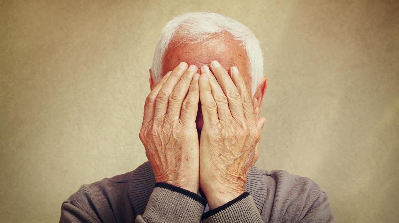 «La familia es la encargada de devolver el estatus social perdido a los mayores con depresión»