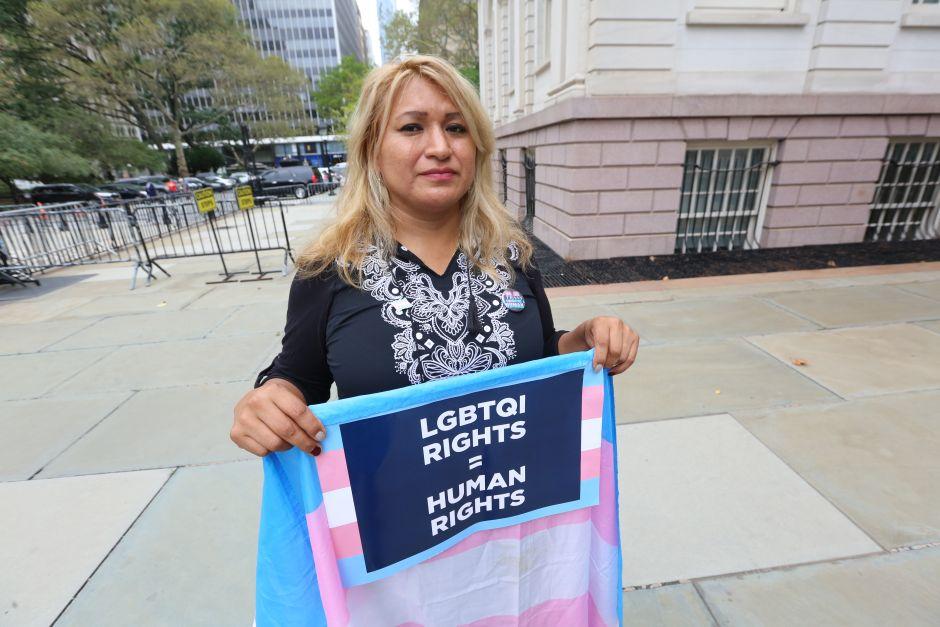 Nueva York reta a la Corte Suprema a proteger derechos de trabajadores gay y trans