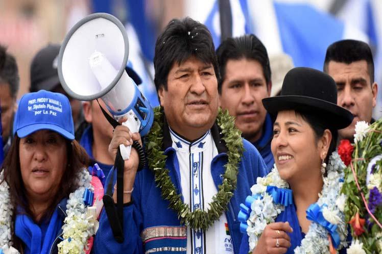 Presidente de Bolivia alerta contra golpe de Estado