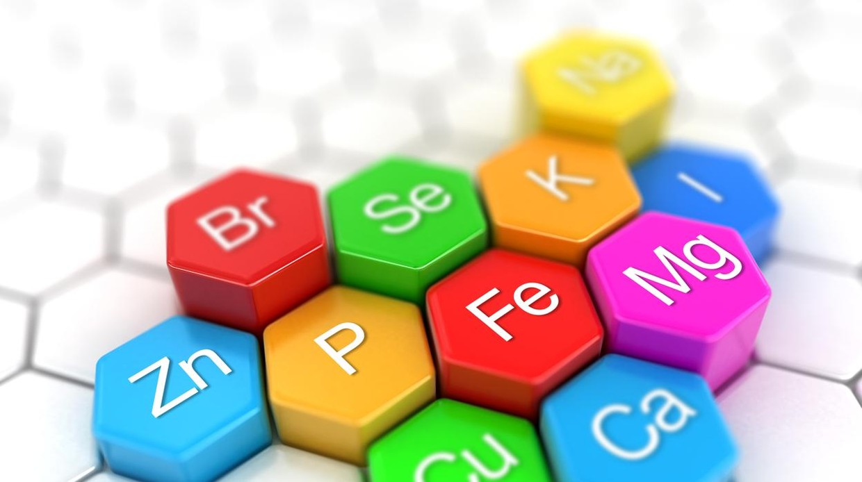Una profesora de la UPM diseña una baraja de cartas de la tabla periódica