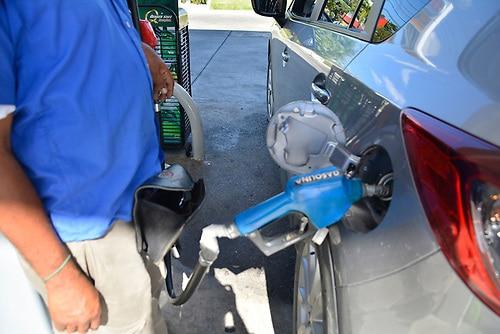 Combustibles bajan de precio; gasolina Premium costará RD$ 228.60 y regular RD$ 214.20