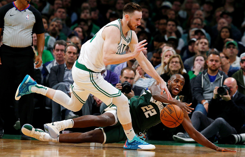 NBA: Harden y Doncic cerca de triple-doble y Hayward se fractura mano