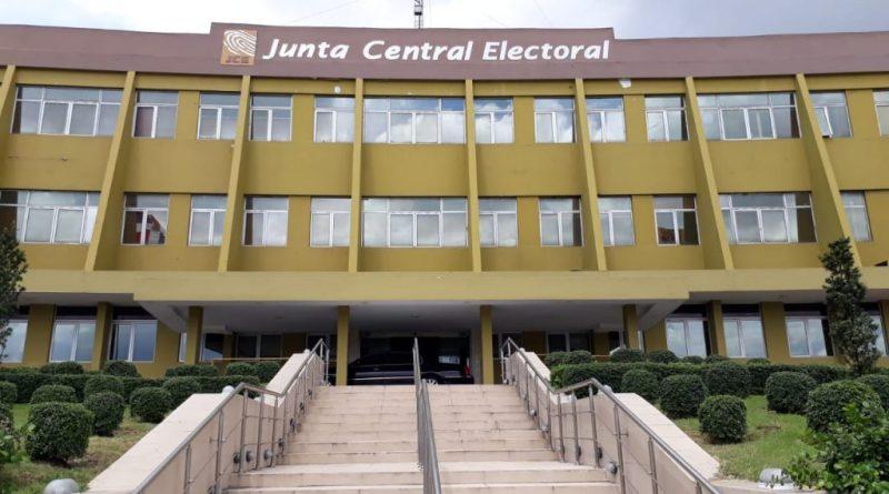 JCE aprueba petición del PRM sobre auditar el 30% de  los equipos usados en el voto automatizado
