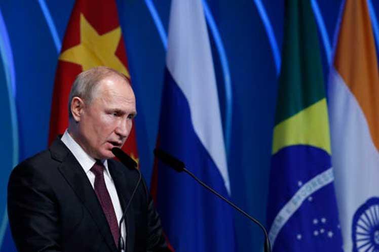 Putin rechaza sanciones unilaterales en foro empresarial de Brics