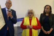 Senador Robert Jackson celebra fiesta por motivo de Navidad; otorga reconocimiento a activista dominicana