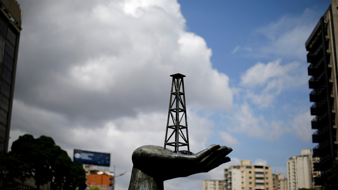 EE.UU. amenaza con intensificar las sanciones contra el sector petrolero de Venezuela