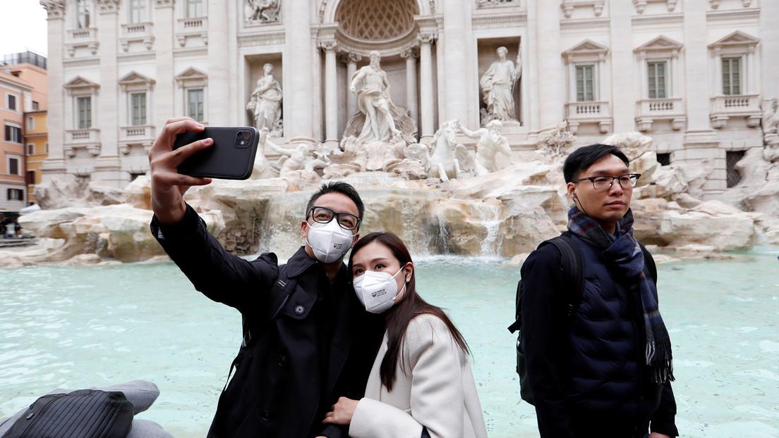 Italia cierra diez municipios por el coronavirus en medio de una ola de nuevos casos y la muerte del primer infectado