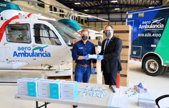 Gonzalo Castillo entrega al gobierno primeros 9,500 kits para detectar COVID-19
