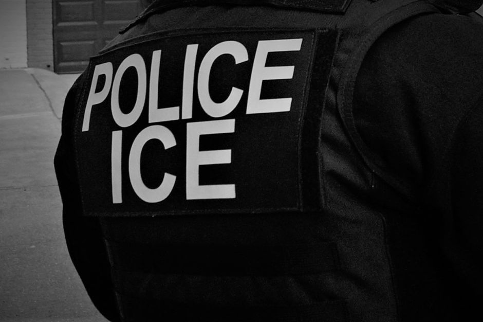 Juez propina revés a inmigrantes detenidos por ICE