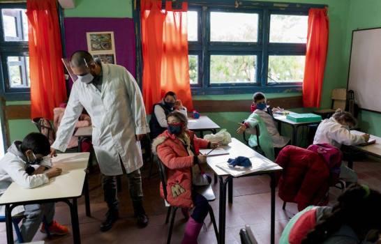 Uruguay es el primer país de América Latina que vuelve a clases