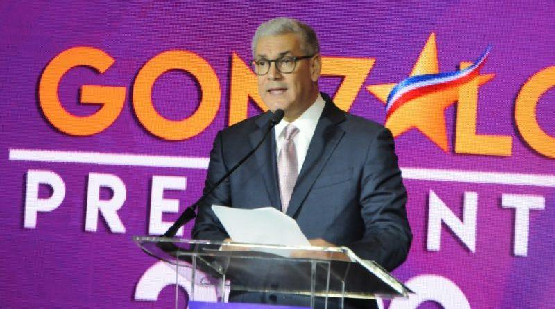Los jóvenes dominicanos cuestionan al candidato del PLD Gonzalo Castillo; Lo retan y dicen que si responde sus dudad será presidente