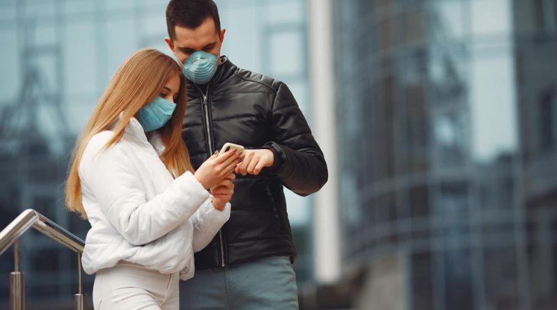 Gobierno de Canadá insta a usar mascarilla durante el sexo para evitar el coronavirus
