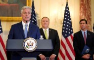 Asesor de Trump divide el mundo entre democracias lideradas por Washington y países autoritarios