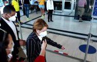 """Yomaira Medina al salir de la Procuraduría expresa: """"No tengo nada que decir"""", pero cuando estaba en el poder hablaba hasta por los codos y amenazaba a los críticos del gobierno de su hermano Danilo"""