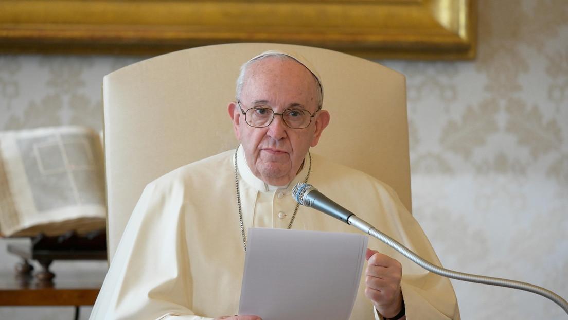 Facebook confirma que ayuda al Vaticano en la investigación del 'me gusta' de la cuenta del papa Francisco en Instagram a la foto de una modelo
