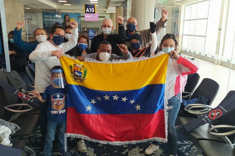 Plan Vuelta a la Patria retorna a venezolanos desde Ecuador