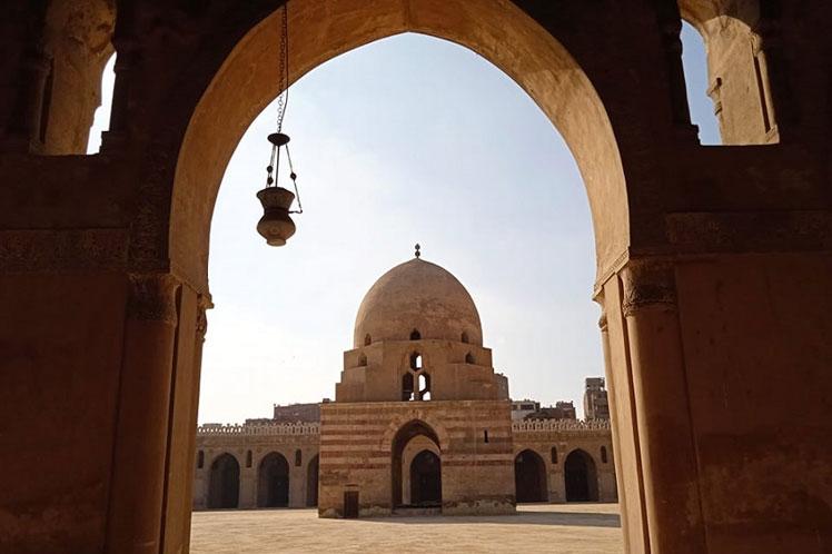 Ecos de lejanos tiempos en la más original y antigua mezquita egipcia
