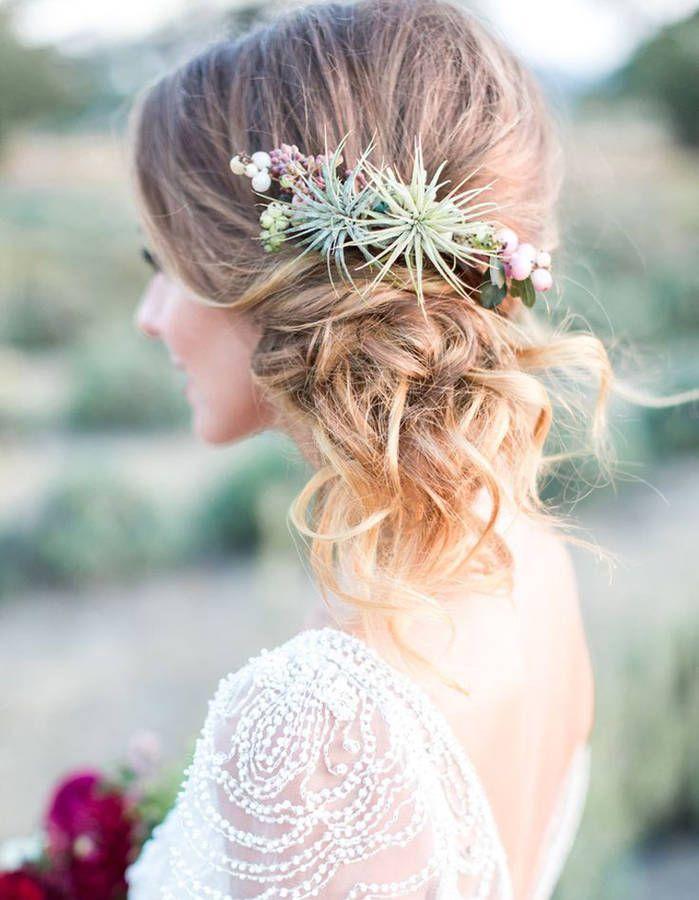 coiffure de mariage 2017 des fleurs originales dans les cheveux des fleurs dans les cheveux. Black Bedroom Furniture Sets. Home Design Ideas