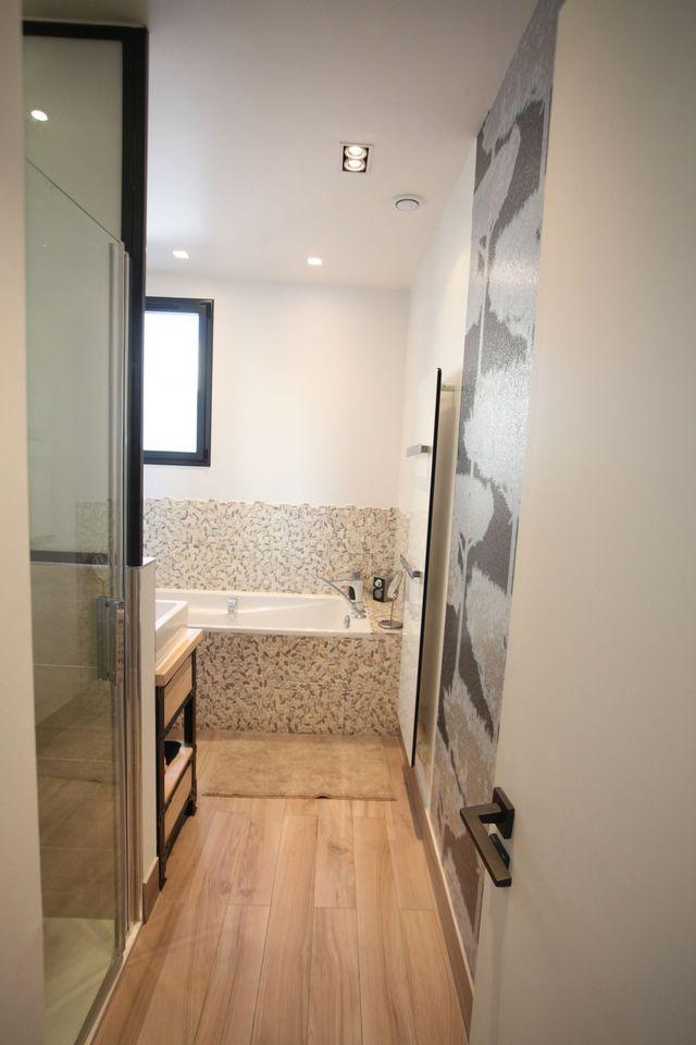 Ide dco petite salle de bain zen amnagement petite salle for Petite salle de bain zen
