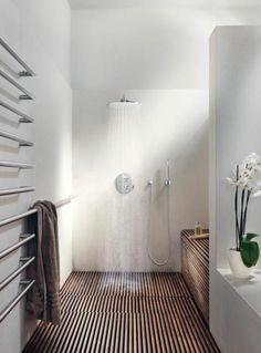 salle de bain de style japonais, décoration japonaise, salle de ...