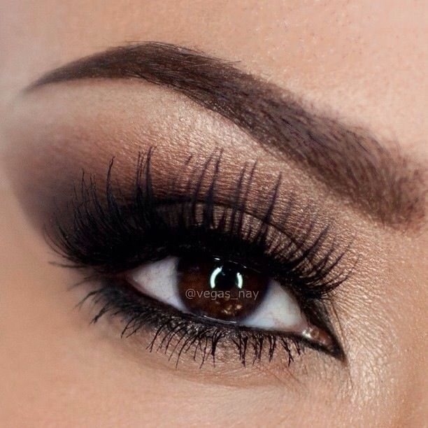 Tendance maquillage yeux 2017 2018 maquillage de mariage pour les yeux marrons fum s - Maquillage mariee yeux marrons ...
