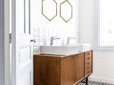 id e d coration salle de bain plan de travail salle de bain en bois brut montage mural et. Black Bedroom Furniture Sets. Home Design Ideas