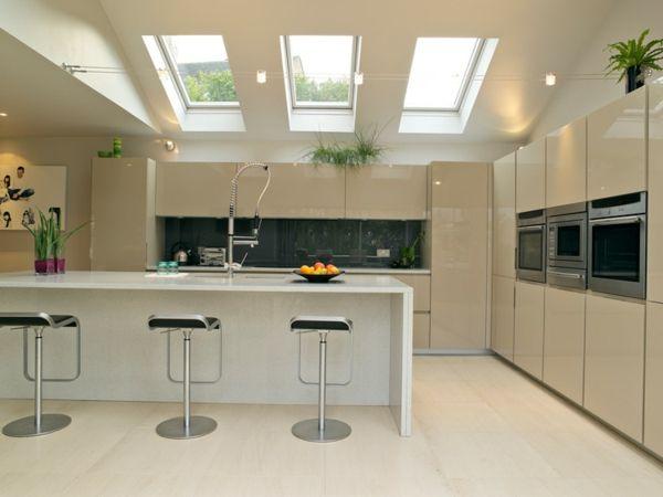 Idée relooking cuisine - verriere de toit sur une cuisine moderne ...