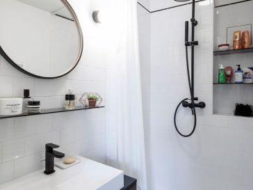 Id e d coration salle de bain modele da carrelage bleu - Idee deco salle de bain bleu et blanc 2 ...