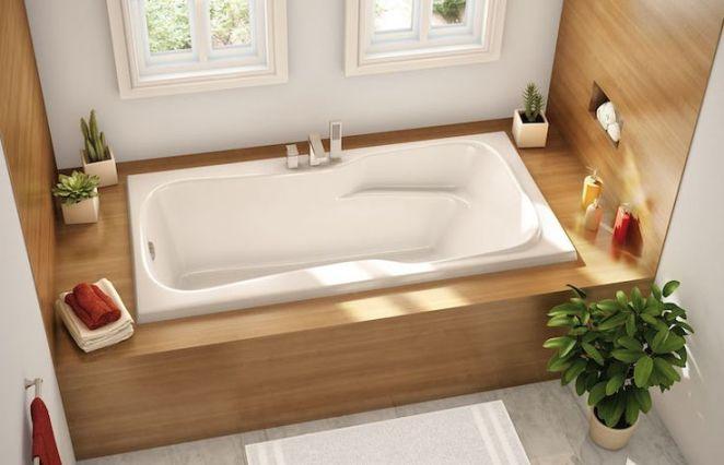 id e d coration salle de bain petite salle de bains avec baignoire rectangulaire encastr e et. Black Bedroom Furniture Sets. Home Design Ideas