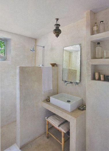 idée décoration salle de bain - du stuc gris en revêtement mural ... - Lino Mural Pour Salle De Bain