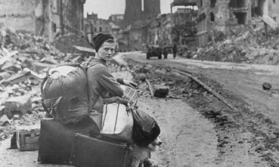 Second-World-War-A-Homele-001