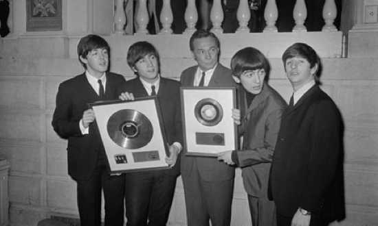 The-Beatles-With-Alan-Liv-003