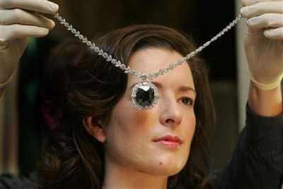 Vicky-Patterson-Wears-The-Black-Orlov-Diamond