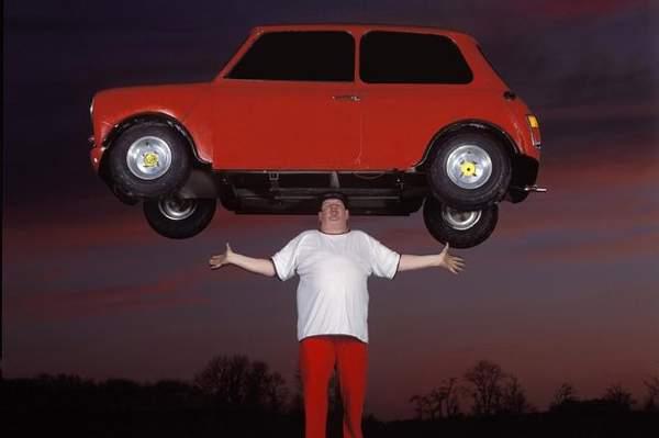 John+Balanced+A+Mini+Car+Weighing+A+Total+Of+159