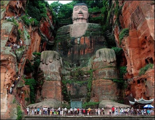 Best Holiday In China - Giant Buddha, Cina