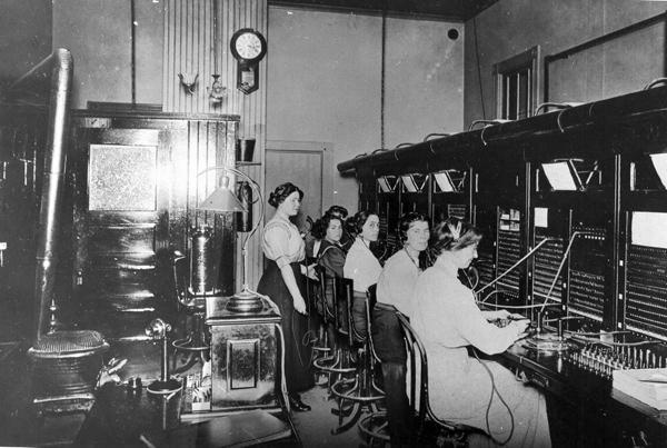 Telephone-Operators