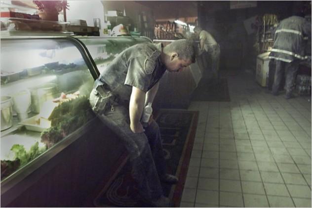 nyt-060905-officer-lg