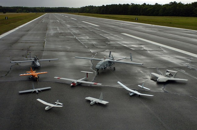 800px-Group_photo_of_aerial_demonstrators_at_the_2005_Naval_Unmanned_Aerial_Vehicle_Air_Demo1
