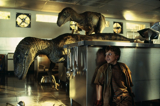 jurassic-park-raptor-in-kitchen